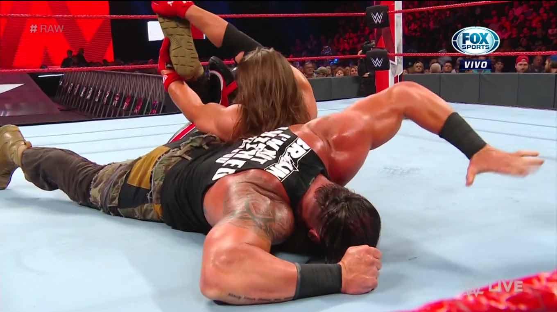 WWE RAW (26 de agosto 2019) | Resultados en vivo | Rollins-Strowman, frágil alianza 33