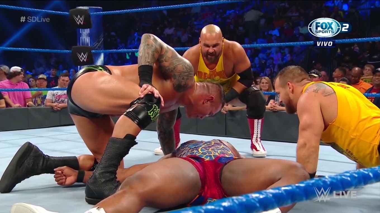 """WWE SMACKDOWN LIVE (27 de agosto 2019)   Resultados en vivo   """"¡Discúlpate, Roman Reigns!"""" 25"""
