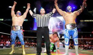 CMLL: Diamante Azul y Valiente defienden su título 36
