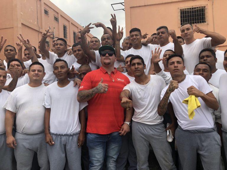 Andy Ruiz visitó el Penal de Topo Chico 1