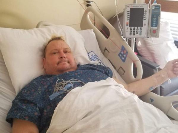 Brian Knobbs necesita ayuda: ¿Hulk Hogan acudirá al rescate? 2
