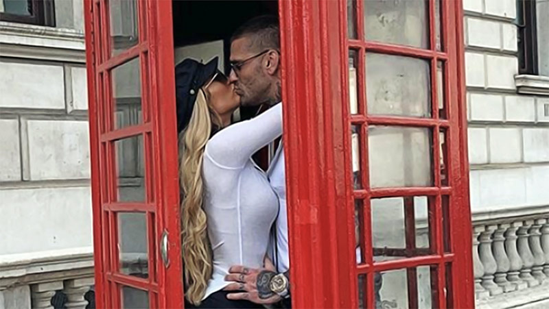 Carmella regresa al ring Carmella y Corey Graves