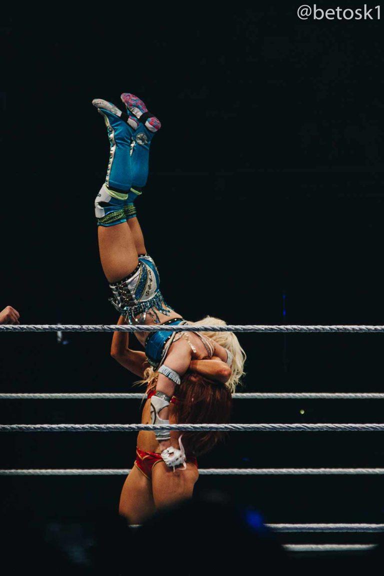 Charlotte Flair vs. Bayley