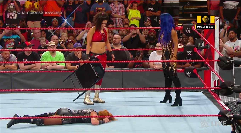 Las Four Horsewomen en una lucha, el lunes en WWE RAW 1