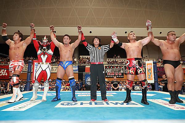 """NJPW: """"Blue Justice IX"""" 35 años de shoot wrestling 4"""