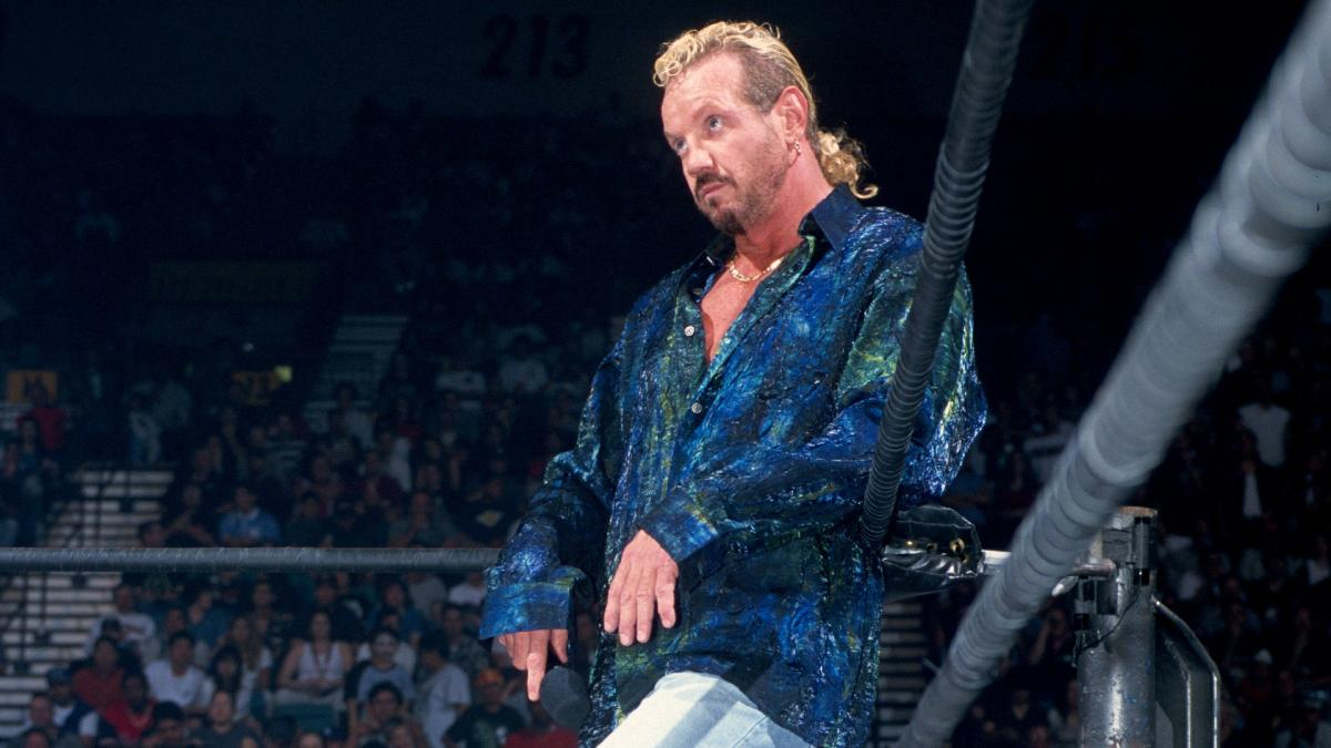 favor de Triple H a DDP