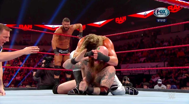 WWE Raw (7 de octubre 2019) | Resultados en vivo | Tyson Fury en WWE 16