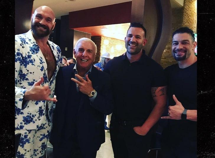 Tyson Fury, Ric Flair y Roman Reigns de fiesta en Las Vegas, Nevada (10 de octubre de 2019) / TMZ.com