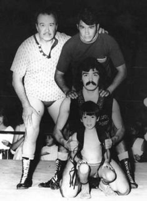 Así recordamos a Eddie Guerrero: junto a sus hermanos Chavo y Mando, y su padre Gory