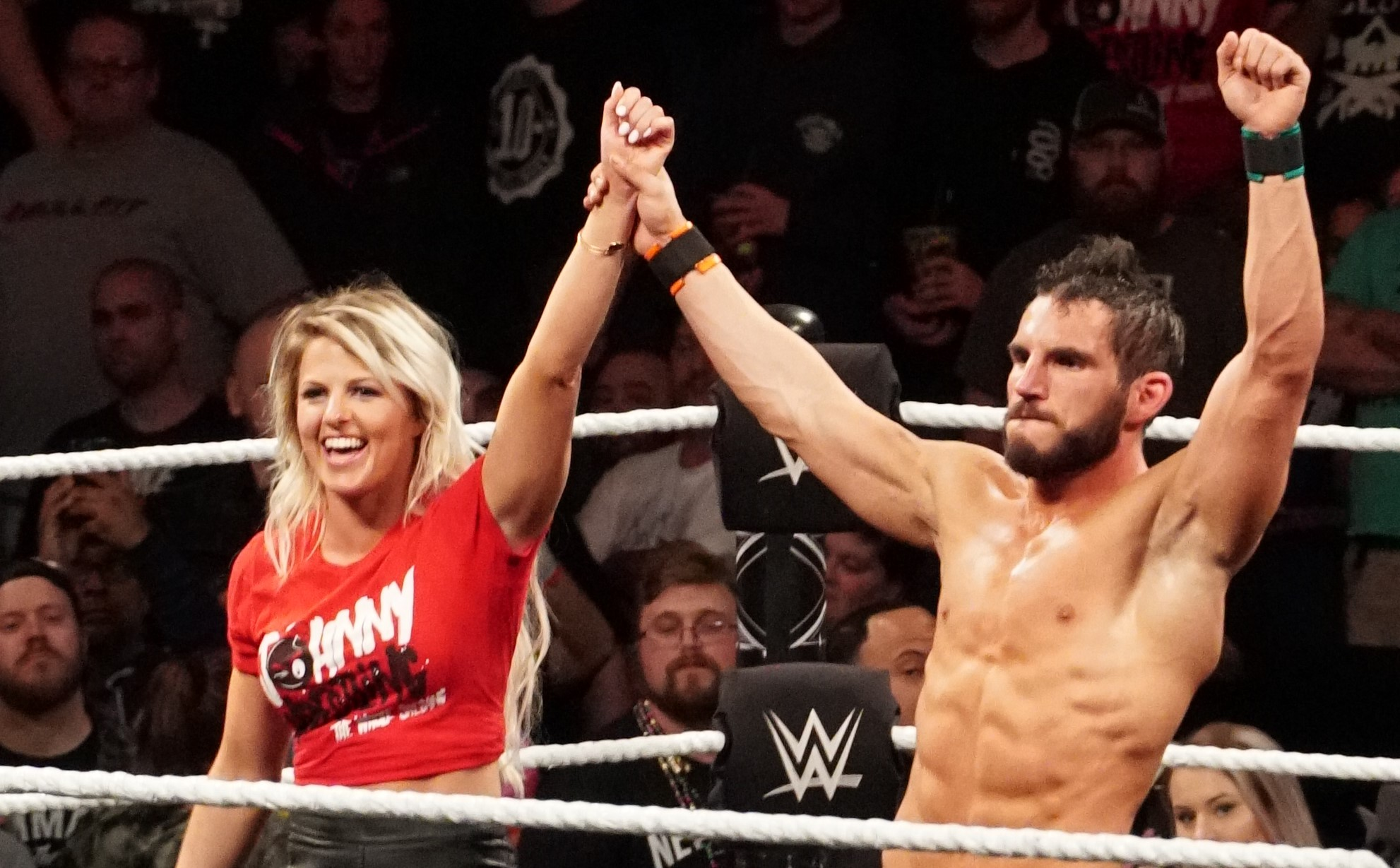 Bayley vs Candice LeRae, ¿en 2020? Johnny Gargano reta a Bayley
