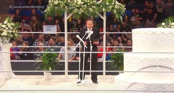 WWE RAW (30 de diciembre 2019) | Resultados en vivo | La boda de Lana y Bobby Lashley 52