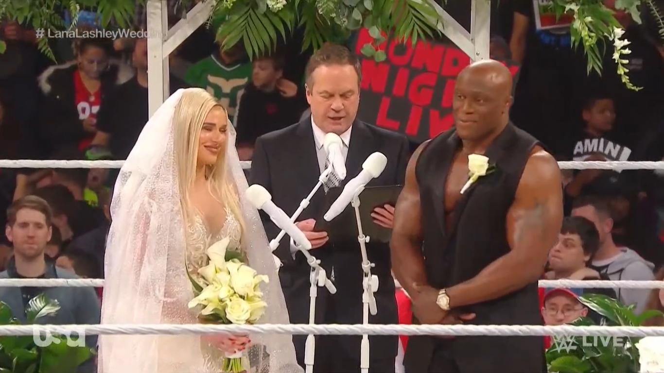 WWE RAW (30 de diciembre 2019) | Resultados en vivo | La boda de Lana y Bobby Lashley 54