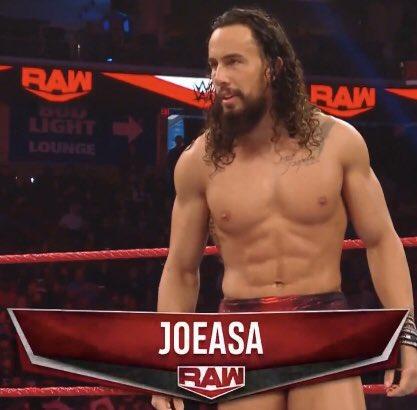 Luchadores locales en Raw