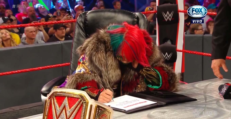 WWE RAW (13 de enero 2020) | Resultados en vivo | ¡A puñetazo limpio! 16