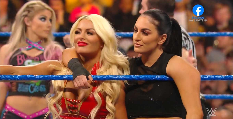 Mandy Rose y Sonya Deville Sonya Deville ataca a Mandy Rose