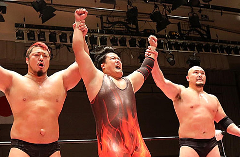"""BJW: """"World is not Enough"""" Okabayashi, Hino e Hyodo, ganadores 15"""