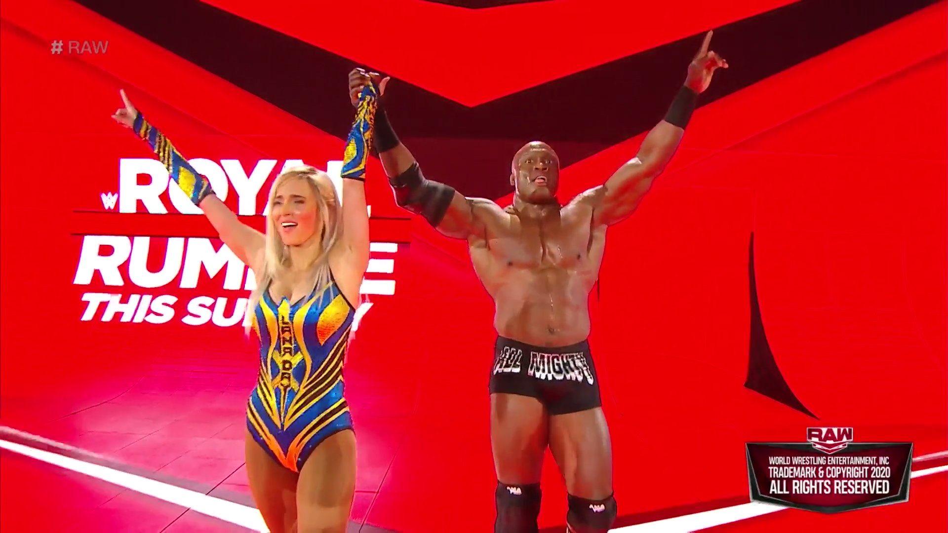 WWE RAW (20 de enero 2020) | Resultados en vivo | Andrade vs. Rey Mysterio en escaleras 48