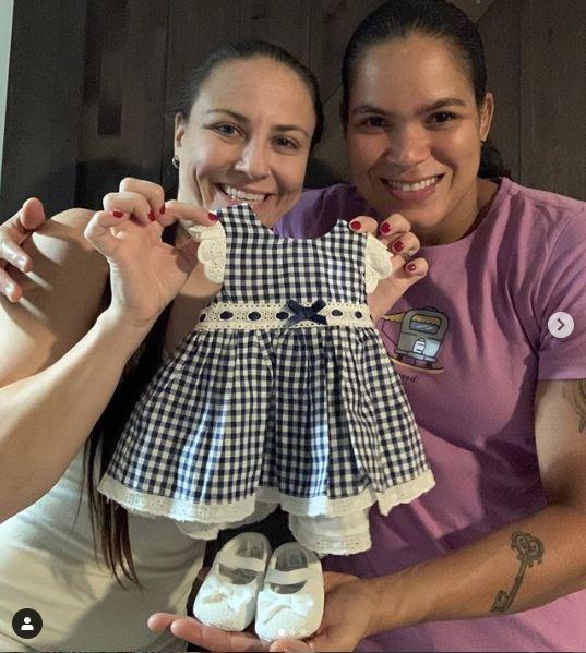 Amanda Nunes y Nina Ansaroff esperan bebé 1