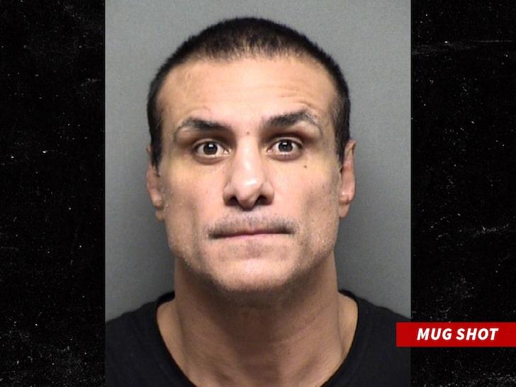 Alberto del Río arrestado (10/05/2020) / TMZ.com Alberto del Río en libertad