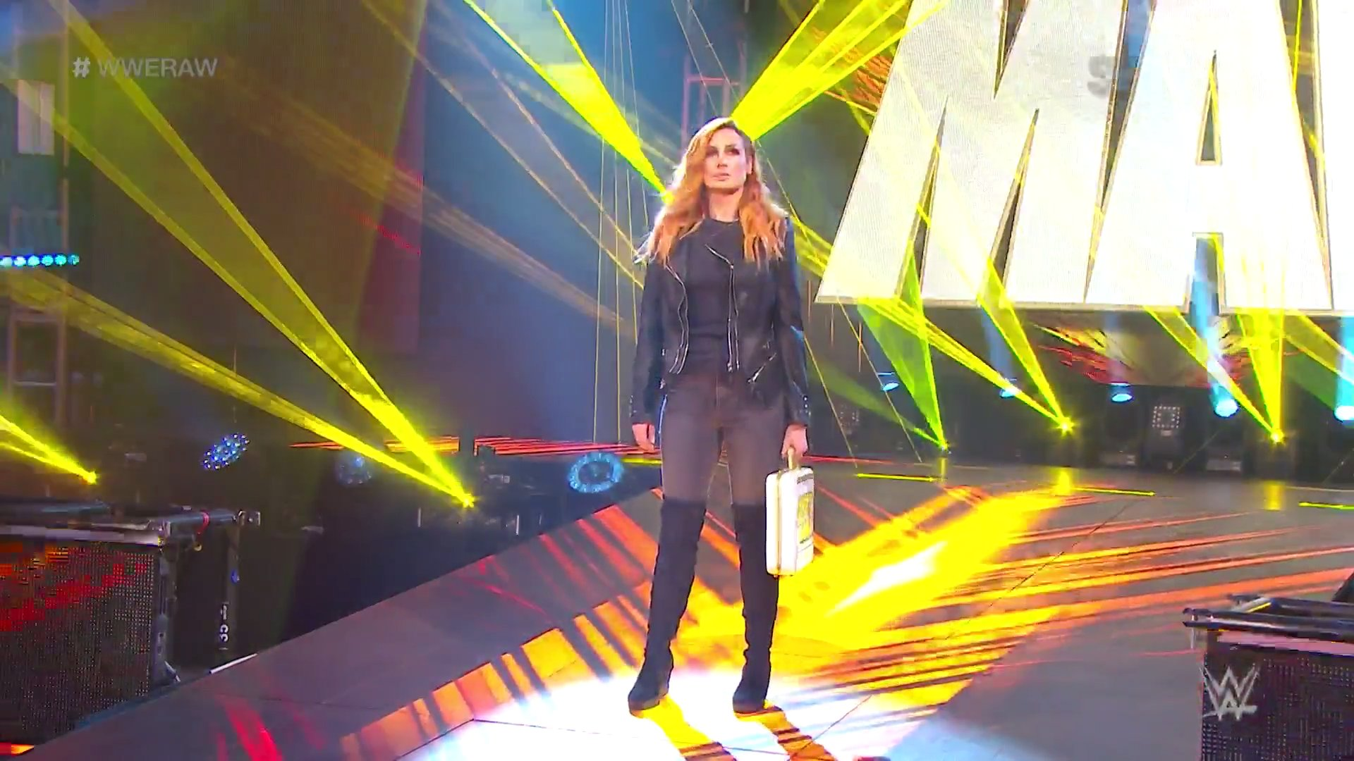 WWE RAW (11 de mayo 2020) | Resultados en vivo | Edge y Randy Orton regresan 1 Becky Lynch embarazada