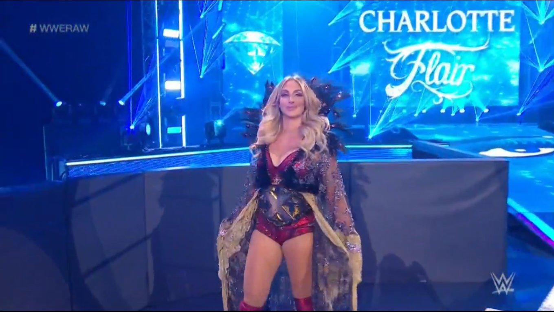 WWE RAW (18 de mayo 2020) | Resultados en vivo | King Corbin viene por Drew McIntyre 7