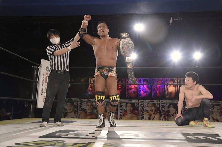 "DDT: ""DDT TV Show! #4"" Masato Tanaka se afianza a su cinturón 1"