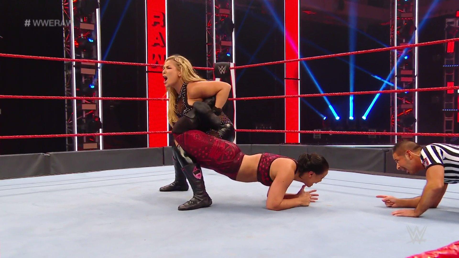 WWE RAW (18 de mayo 2020) | Resultados en vivo | King Corbin viene por Drew McIntyre 18