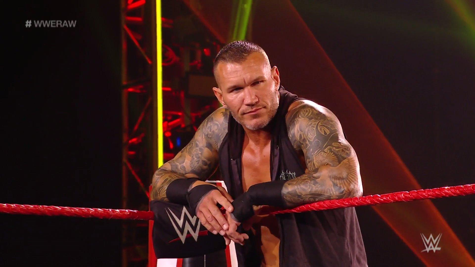 WWE RAW (18 de mayo 2020)   Resultados en vivo   King Corbin viene por Drew McIntyre 1