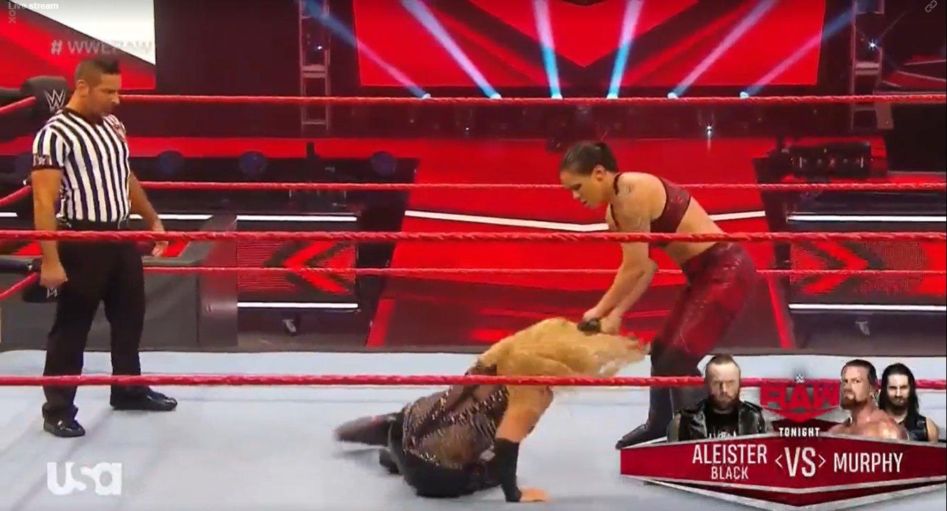WWE RAW (18 de mayo 2020) | Resultados en vivo | King Corbin viene por Drew McIntyre 17