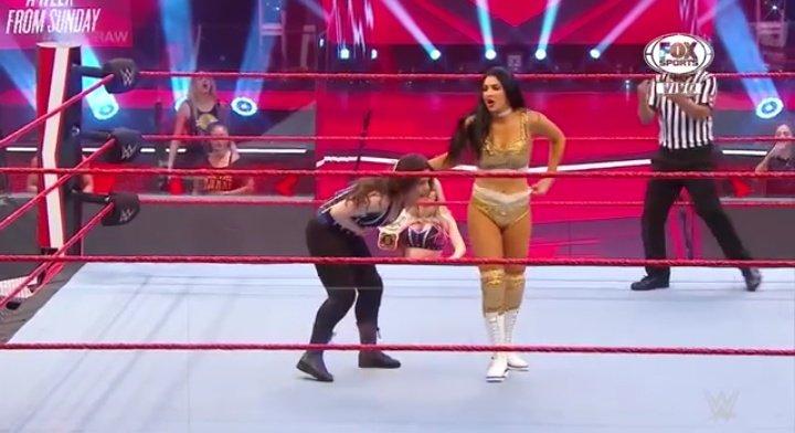 WWE RAW (1 de junio 2020) | Resultados en vivo | El retiro de Rey Mysterio 15