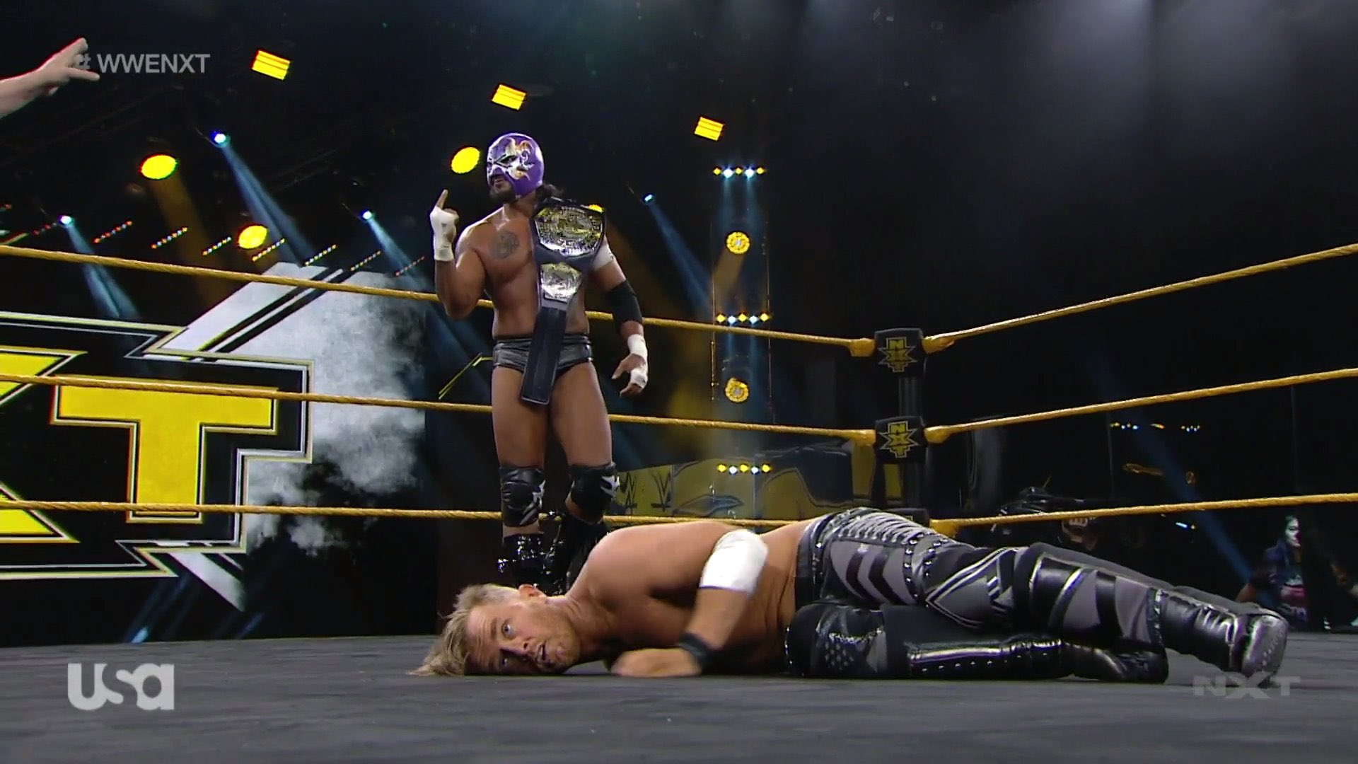 NXT (3 de junio 2020) | Resultados en vivo | Hijo del Fantasma vs. Drake Maverick 19