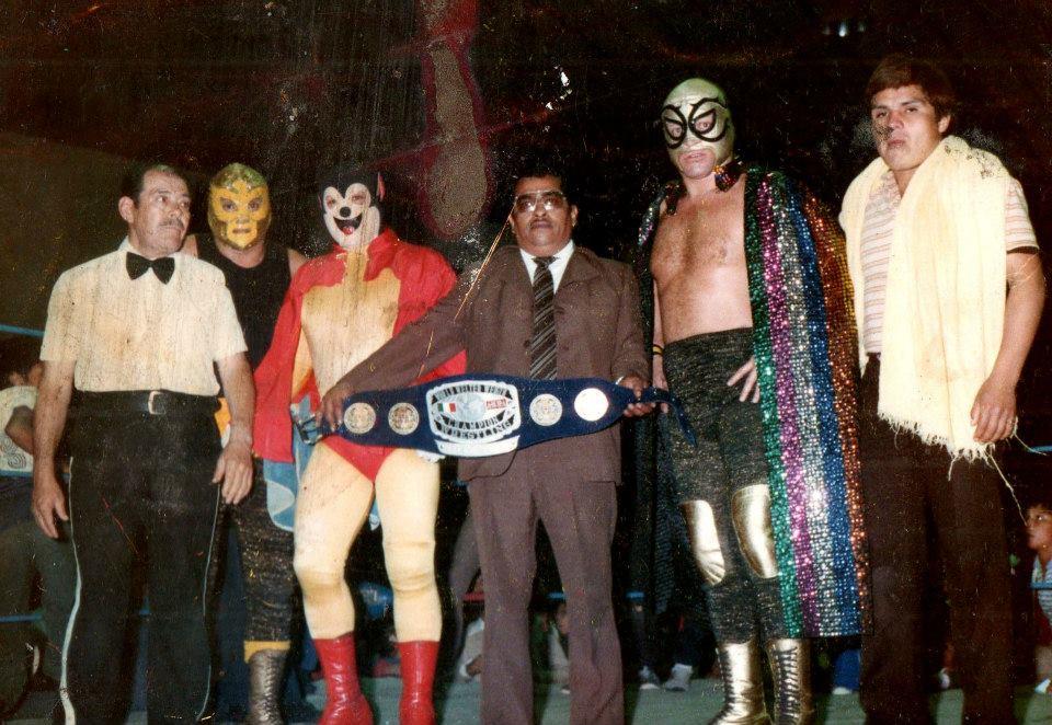 20 de enero de 1985, El Mercenario expuso el Campeonato Mundial de Peso Welter AWWA ante Súper Ratón, éste resultó nuevo monarca.
