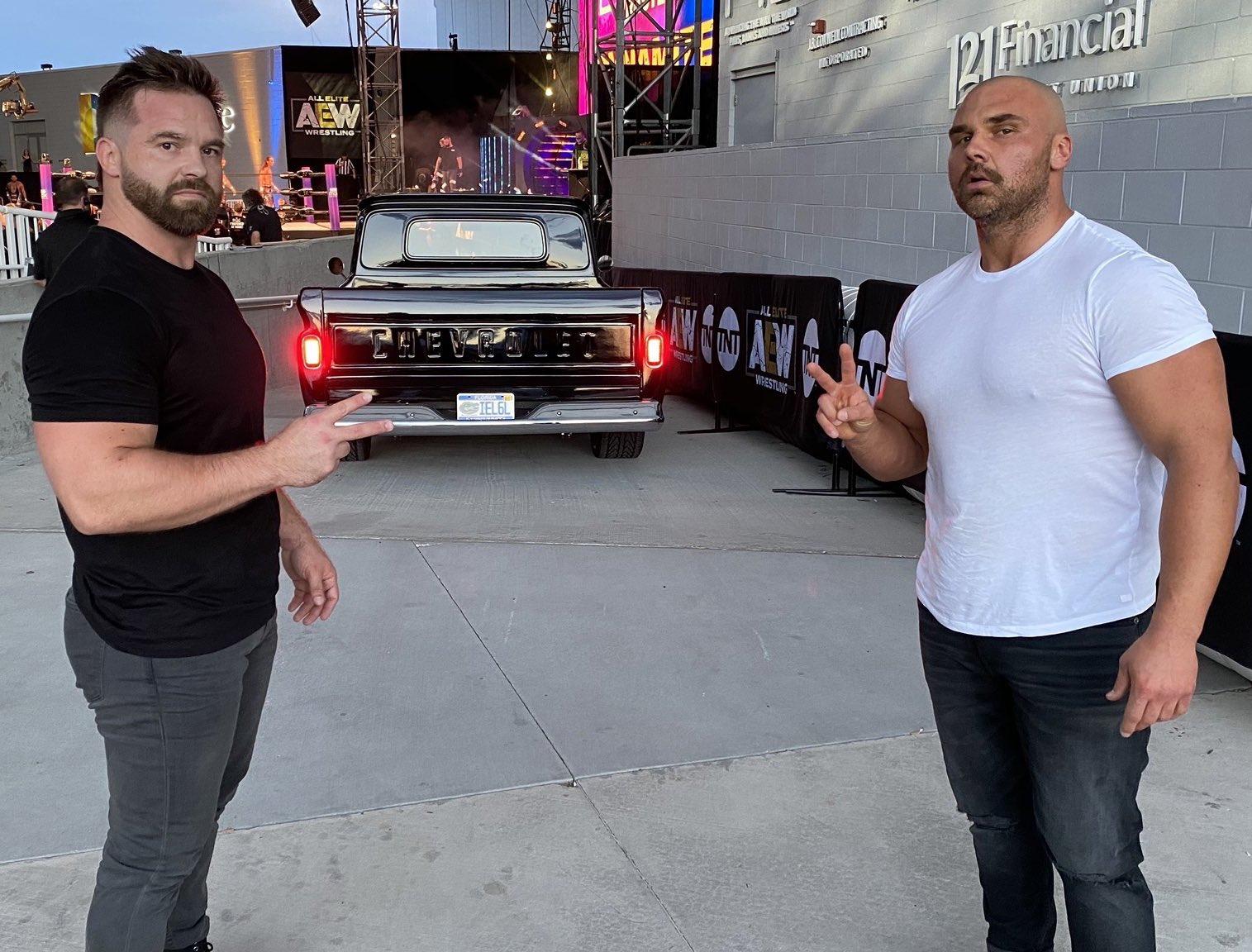 FTR criticarán a WWE en AEW Dynamite? Cash Wheeler responde a un aficionado | | Superluchas