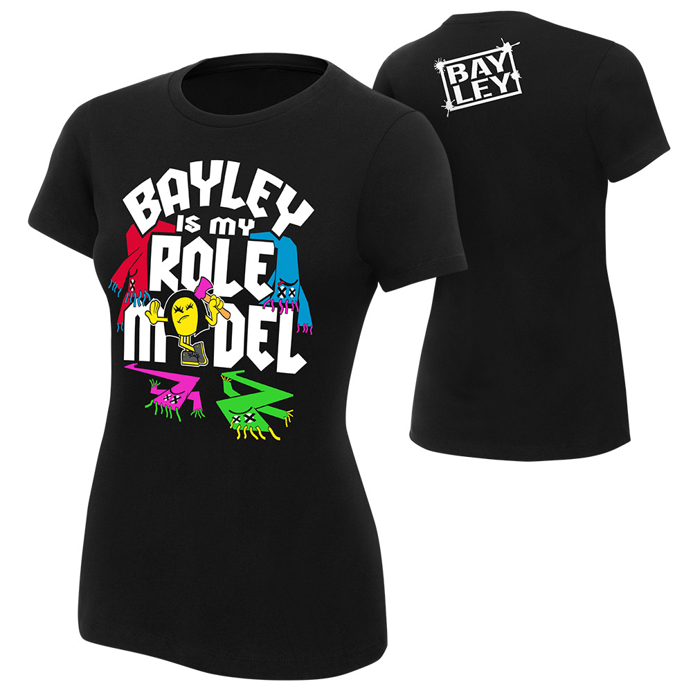 nueva camiseta de Bayley