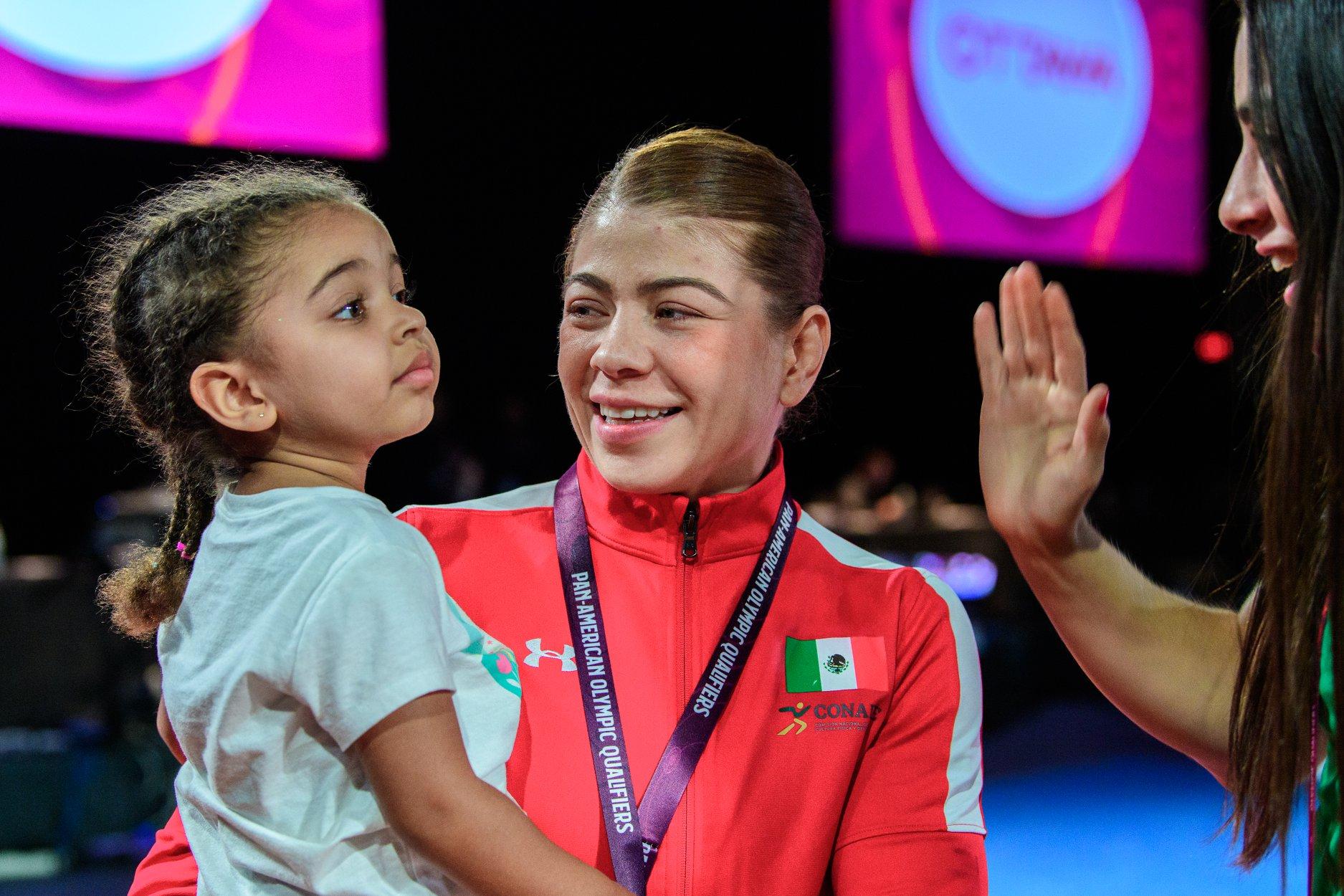 La gran hazaña de Jane Valencia en la lucha olímpica 5