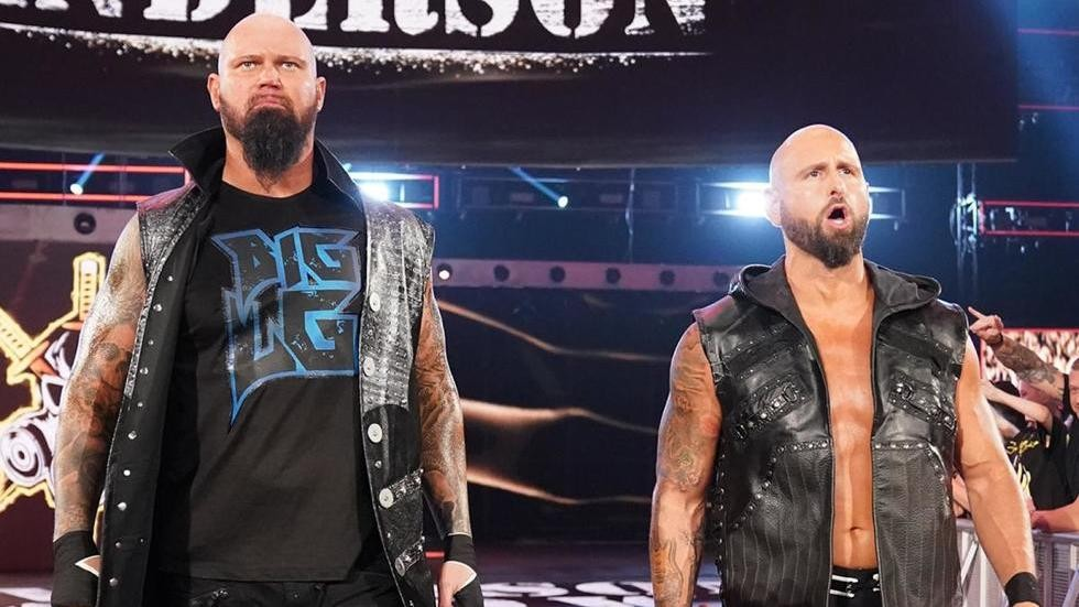 Luke Gallows y Karl Anderson en Impact