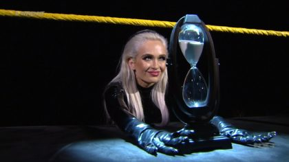 Scarlett Bordeaux confronta a Adam Cole en WWE NXT a nombre de Karrion Kross (10/06/2020) / WWE