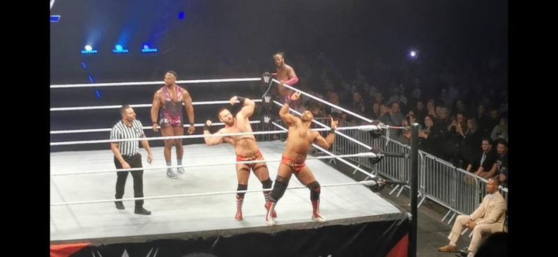 The Revival imitan a The Young Bucks