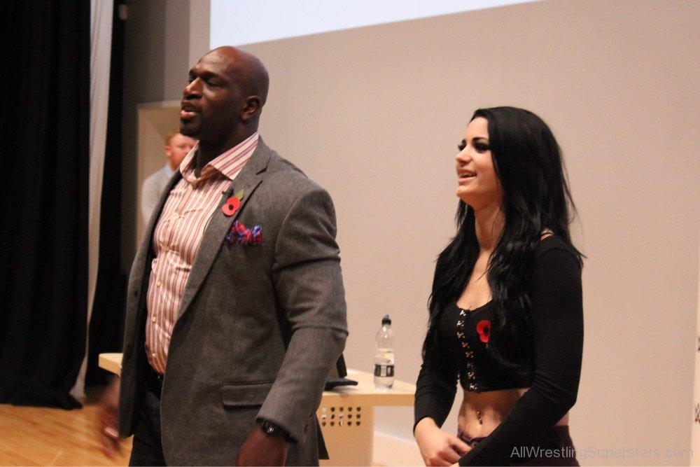 Titus O'Neil y Paige / WWE Titus O'Neil habla de las protestas raciales