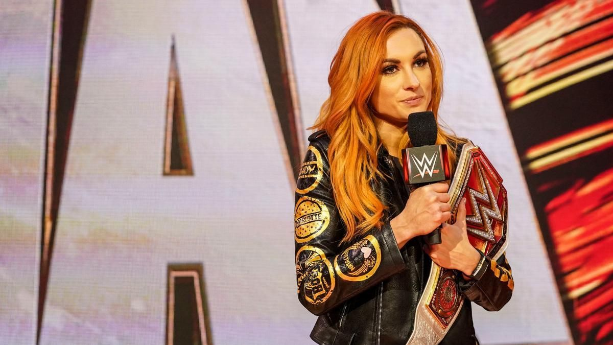 The Rock y John Cena Becky Lynch embarazada
