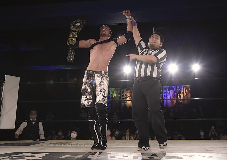 """DDT: """"DDT TV Show 8"""" Chris Brookes regains the Universal Championship 3"""