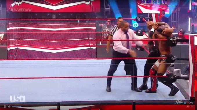 WWE RAW (6 de julio 2020) | Resultados en vivo | Duelo de campeonas 24