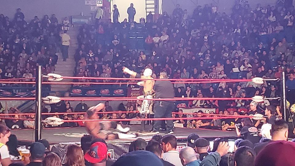 The Crash: Lucha Brothers se impone a Dinastía Muñoz en el 8 Aniversario 5
