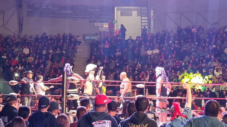 The Crash: Lucha Brothers se impone a Dinastía Muñoz en el 8 Aniversario 4