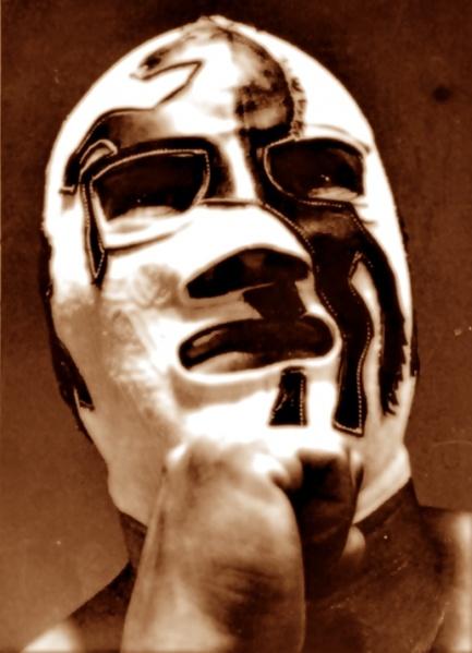 La hermosa máscara de Potro Salvaje