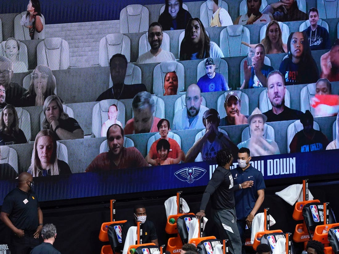 Audiencia virtual en un partido de la NBA 2020 - Insider