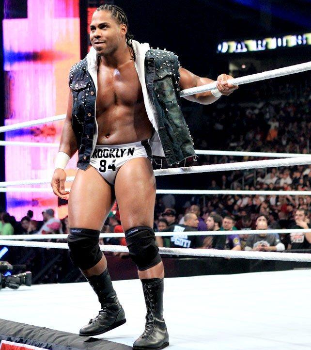 ex-WWE se mofa