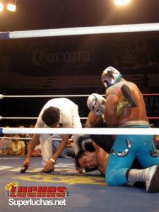 Polémica en el duelo en que Stuka Jr. y Metal Blanco ganan las cabelleras de Mascara Mágica y Exterminador 13