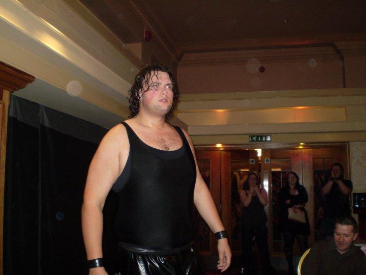 """¿Quién es Tron """"The Northern Irish Nightmare"""", el nuevo contrato WWE? 2"""