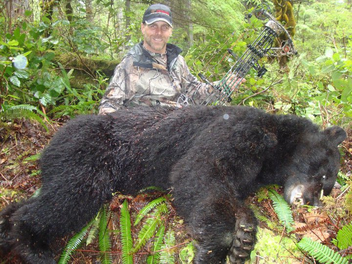 Shawn Michaels y un oso que acababa de asesinar